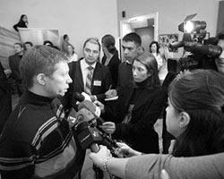 Кирилл Бенедиктов отвечает на вопросы журналистов (фото: Артём Коротаев)