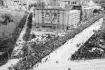 """В Новосибирске в шествии участвовали около 250 тыс. человек (фото: Организаторы акции """"Бессмертный полк"""")"""