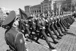 В наземной части парада Победы приняли участие около 10 тыс. человек (фото: Reuters)