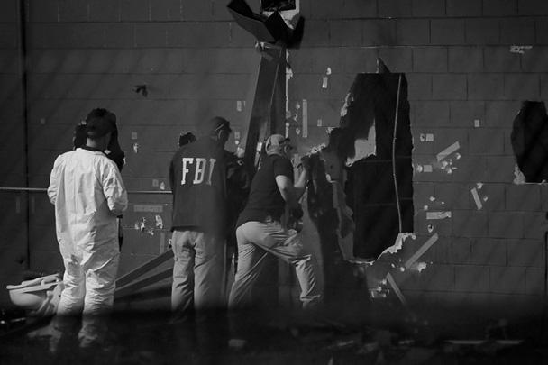 После прибытия подкрепления было решено предпринять штурм. Полицейский спецназ на бронеавтомобиле высадил двери Florida Pulse и освободил порядка 30 посетителей. Именно в этом момент в бою нападавший был застрелен