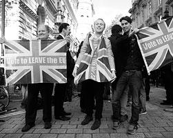 Британцы все же проголосовали за выход из ЕС(фото: Neil Hall/Reuters)