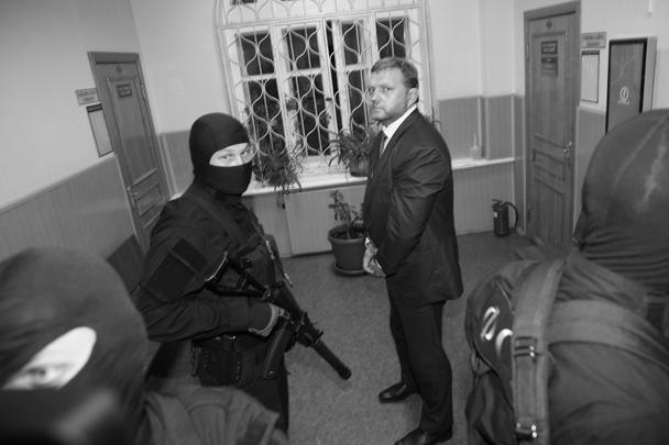 Для многих задержание Белых стало шоком. Обязанности губернатора Кировской области пока будут исполнять по очереди его заместители
