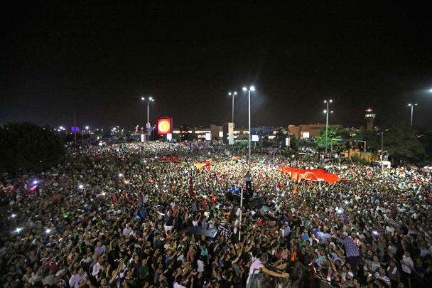 Минобороны Турции: Подавление госпереворота еще не закончено