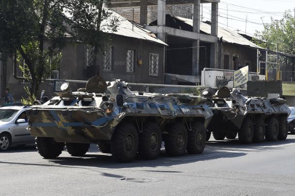 Вооруженная группа в Ереване сдалась (видео)