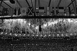 Церемония сопровождалась яркими зажигательными танцами, в один момент многие зрители присоединились к артистам, чтобы вместе веселиться под музыку (фото: Adrees Latif/Reuters)