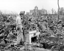 Эти события стали началом эпохи Бомбы и ядерного страха (фото: Stanley Troutman/AP/ТАСС)