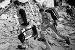 Колебания земной поверхности ощущались в ряде городов центральной Италии, в том числе в Риме и Болонье (фото: Sandro Perozzi/AP/ТАСС)