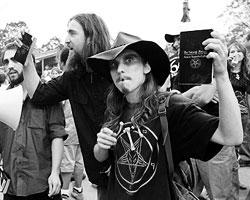 Сатанистов в США теперь стало больше (фото:Rebecca Cook/Reuters)