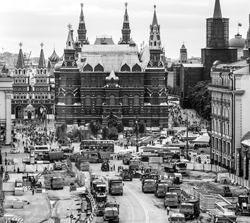 Москвичи дают карт-бланш мэрии для реконструкции городского пространства (фото: Валерий Шарифулин/ТАСС)