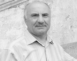 Анатолий Вовнянко почти три десятка лет отдал авиакомпании «Антонов», и очень переживает за судьбу украинского авиапрома (фото: из личного архива)