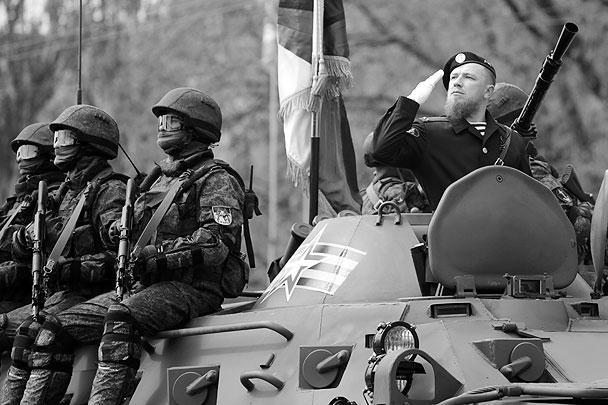 Арсений Павлов (Моторола) во время военного парада в Донецке, посвященного 71-й годовщине Победы в Великой Отечественной войне
