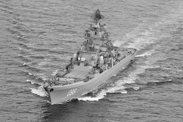 В объективы норвежских военных моряков попал и тяжелый авианесущий крейсер «Петр Великий»