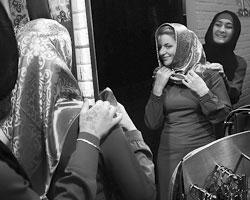 Это пропагандируемый образ российской мусульманки: она должна быть вот такой (фото: Валерий Шарифулин/ТАСС)