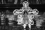 Мисс Канада для смотра красоты нарядилась снежинкой (фото: Joseph Gerard Seguia/Zuma/Global Look Press)