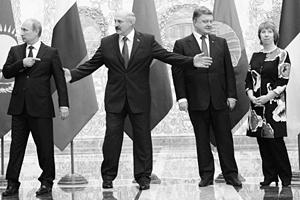 Вот и приходится «батьке» между всеми лавировать (фото: Алексей Дружинин/РИА Новости)