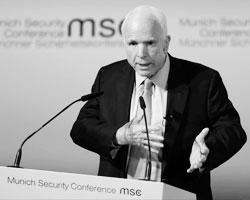 Маккейн «отказывается принимать упадок существующего миропорядка» (фото: Matthias Schrader/AP/ТАСС)