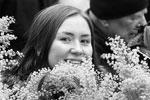 Если во многих западных странах 8 марта устраиваются феминистские демонстрации, то в России это в первую очередь праздник весны и женственности. Символом его стал такой нежный цветок, как мимоза. Владимир Путин в этот раз поздравлял россиянок, цитируя стихи поэтов Серебряного века (фото: Sergei Karpukhin/Reuters)