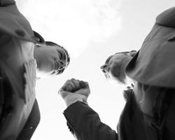С открытой руганью, ненавистью пора, ребята, завязывать (фото: Uwe Umstätter/Global Look Press)