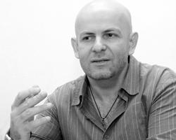 На Украине Олесь воспринимался как герой булгаковского романа (фото:Str/Zuma/TASS)