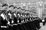 На Красной площади состоялся парад, посвященный 72-й годовщине Победы в Великой Отечественной войне (фото: Михаил Метцель/ТАСС)