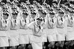 Военнослужащие во время военного парада в Москве, посвященного 72-й годовщине Победы в Великой Отечественной войне 1941-1945 годов (фото: Михаил Климентьев/РИА Новости)