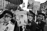 Участники акции «Бессмертный полк» в Черкесске (фото: Денис Абрамов/РИА Новости)