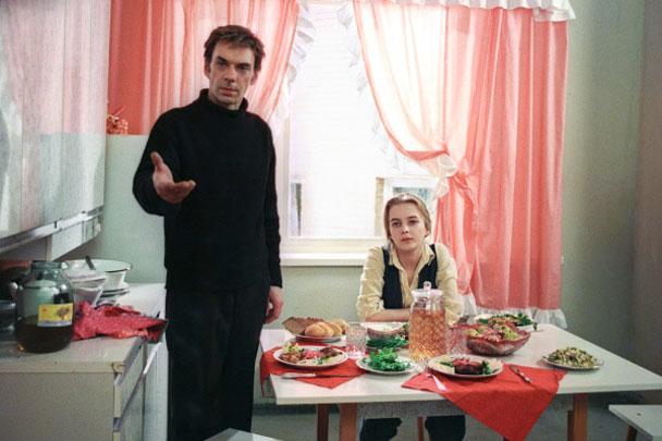 Одна из самых известных ролей Баталова, принесшая ему всенародную славу, - Гоша из фильма «Москва слезам не верит»