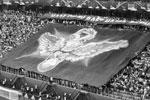На матче открытия стадион в Санкт-Петербурге был заполнен до предела  (фото: Александр Вильф/РИА «Новости»)