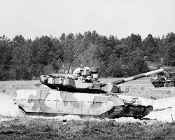 Украинский танк Т84 «Оплот» быстро объявили лучшим в мире (фото: Михаил Маркив/ТАСС)