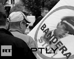 Польше не стоит ставить в упрек Украине смешное баловство с бандерами и шухевичами (фото: кадр канала RT)
