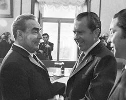 Леонид Брежнев и Ричард Никсон в мае 1972-го в Москве (фото: Владимир Мусаэльян/ТАСС)
