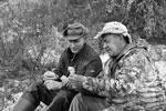 Глава государства и министр обороны впервые побывали в труднодоступной тайге с ее уникальной флорой (фото: Алексей Никольский/РИА «Новости»)
