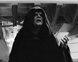 Оказывается, вредят жители соседних планет. Император накладывает на них санкции (фото: Lucasfilm Ltd.)
