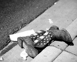 Америка взялась за ружье, чтобы уничтожить саму себя, вернее то, во что она превратилась (фото: Steve Marcus/ZUMA/Global Look Press)