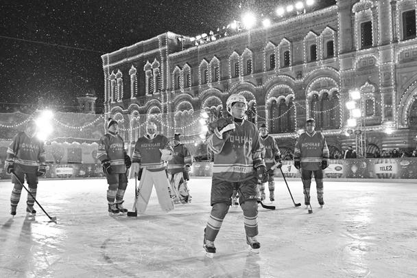 Матч прошел на катке на Красной площади