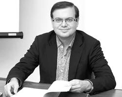 Специалист в области вспомогательных исторических дисциплин, источниковед, генеалог Евгений Пчелов (фото: из личного архива)