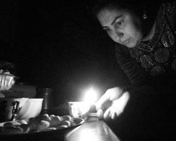 Южная Осетия уже три дня живет без электричества, воды и тепла (фото: Алексей Павлишак/ТАСС)