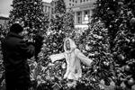 Москва, 25 декабря 2017 г. Во время фестиваля «Путешествие в Рождество» на Манежной площади (фото: Сергей Бобылев/ТАСС )