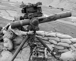 Противотанковый ракетный комплекс TOW (фото: SGT Amber Robinson/U.S. Army/wikipedia.org)