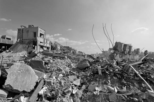 Один из ударов был нанесен по исследовательскому центру в Сирии, он привел к разрушениям, однако жертв среди сотрудников центра нет