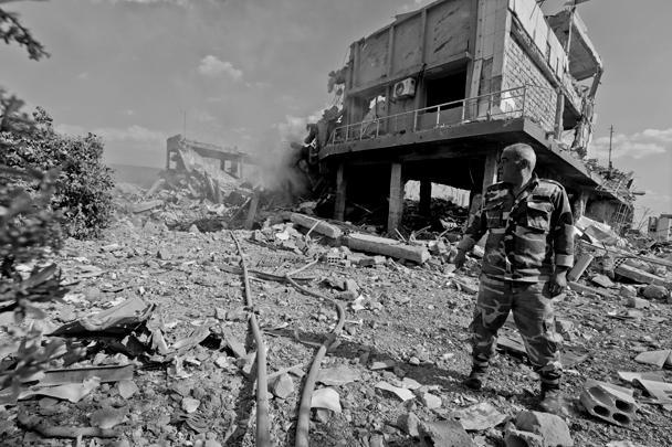 Ракетной атаке подвергся военный объект в Хомсе, по предварительным данным, ранения получили три человека