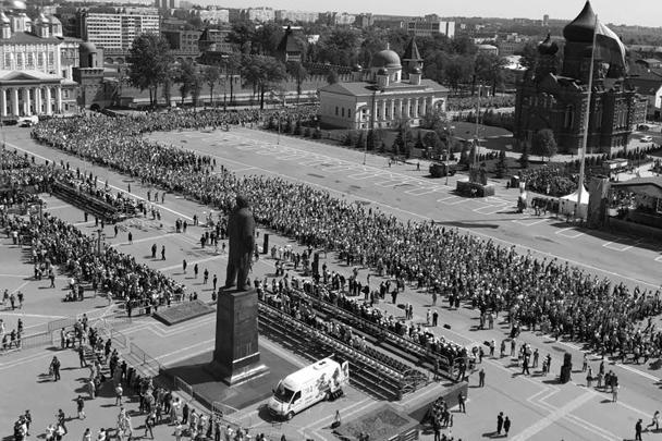 Шествие участников акции «Бессмертный полк» в Туле