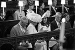 Главными гостями на свадьбе были отец Гарри принц Чарльз, его супруга Камилла Паркер-Боулз, а также Кейт Миддлтон, которая впервые официально вышла в свет после рождения третьего ребенка (фото: Jonathan Brady/Pool/Reuters)