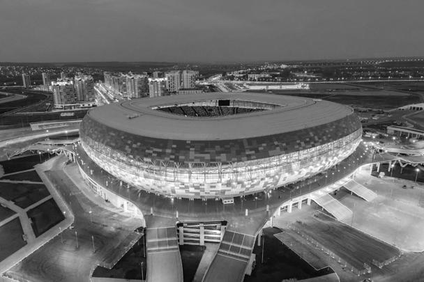 В Саранске к чемпионату построили стадион «Мордовия Арена» на 45 тысяч мест. По окончании турнира временные трибуны будут демонтированы и вместимость уменьшится до 30 тысяч зрителей, а стадион станет домашней ареной для клуба «Мордовия»