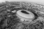 Столичные «Лужники» остаются крупнейшим стадионом России. Открыт в 1956 году. Вместимость во время чемпионата составит 81 тысячу зрительских мест. Расположен в районе одноименного Олимпийского парка неподалеку от Воробьевых гор. На время проведения ЧМ-2018 стадион не будет менять свое название. Стоимость – 26,6 млрд рублей (фото: AirPano LLC/Global Look Press)
