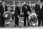 В Тяньцзине, куда они прибыли вместе на поезде, Владимир Путин и Си Цзиньпин посетили товарищеский хоккейный матч юношеских команд двух стран (фото: Алексей Дружинин/РИА «Новости»)