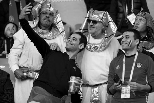 Форвард сборной Египта Мохаммед Салах рассказал в своем Instagram, что поддержка болельщиков помогает ему показать лучшую игру на поле