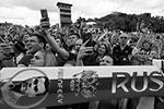 «Друзья, это просто невероятно! Вы просто лучшие! Мы с вами – одна страна и одна команда!» Это заявление появилось в официальном аккаунте сборной в «Твиттере» после встречи на Воробьевых горах (фото: Александр Рюмин/ТАСС)