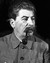 Ответ о причинах поражения дал в 41 году Сталин: «Фашистская Германия неожиданно и вероломно нарушила пакт о ненападении» (фото: РИА Новости)