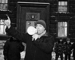 Тягныбок принял самое активное участие в «оранжевой революции» (фото: tiahnybok.info)